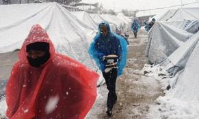 235792_refugees_freezing_in_moria-468_0